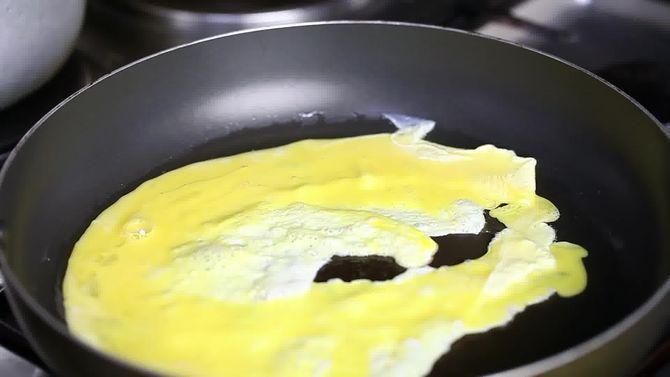 Зображення з назвою Make Chinese Fried Rice Step 6 preview