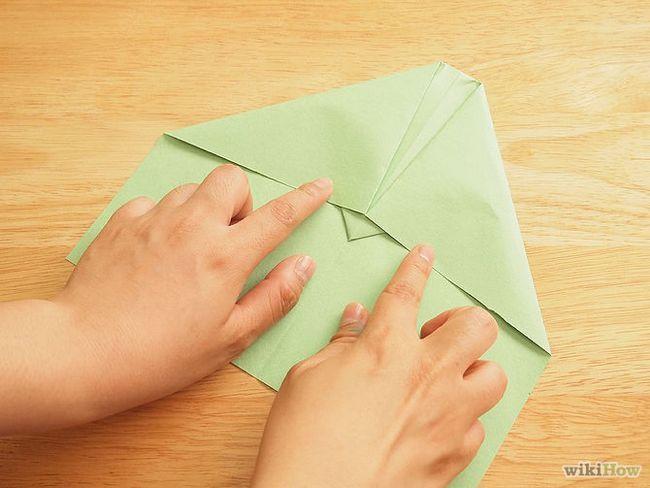 Зображення з назвою Make a Loop De Loop Paper Airplane Step 4
