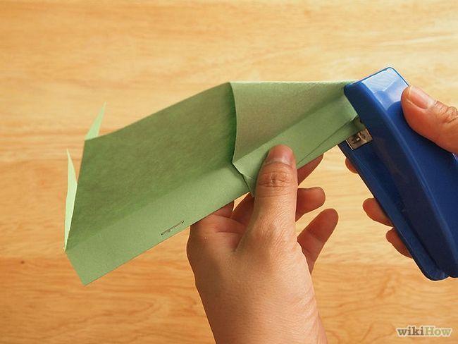 Зображення з назвою Make a Loop De Loop Paper Airplane Step 9