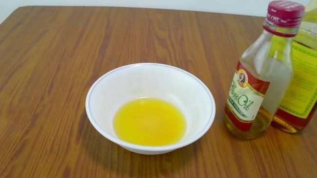 Зображення з назвою Make an Olive Oil Hair Mask Step 3 preview