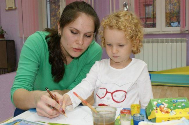 Щоб розвинути мислення у дитини, більше грайте з ним