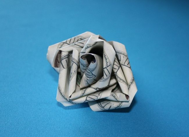 грошова троянда