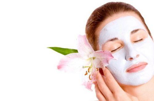 Заспокійлива маска для обличчя в домашніх умовах