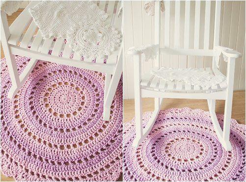В`язані килимки гачком: схеми з описом роботи по виконанню круглого килимка і в формі зірки