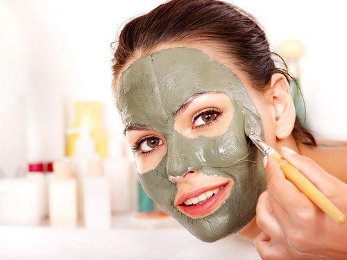 Зимова маска для обличчя з дуже сухою шкірою