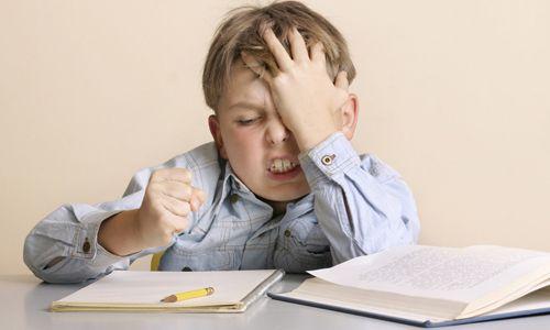 Що робити, якщо у дитини різкі напади головного болю і блювоти